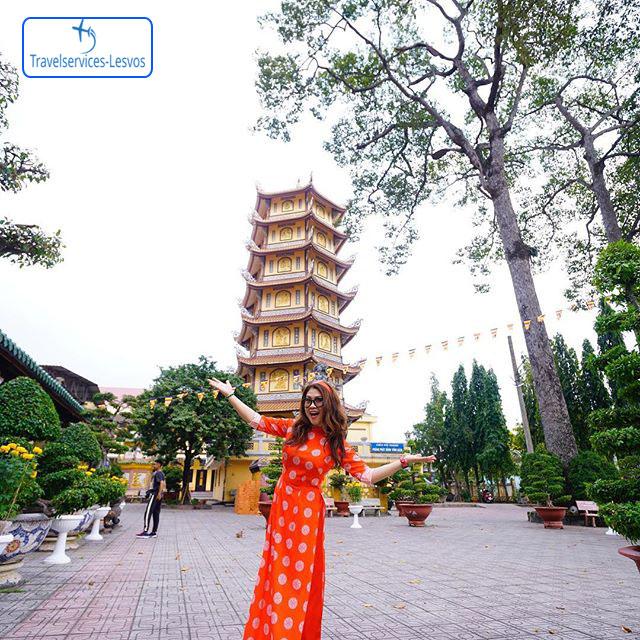 Phật tử check in ở chùa Hội Khánh - Nguồn: letrangchannel