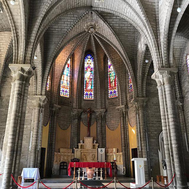 Bên trong nhà thờ chánh tòa Phú Cường Bình Dương
