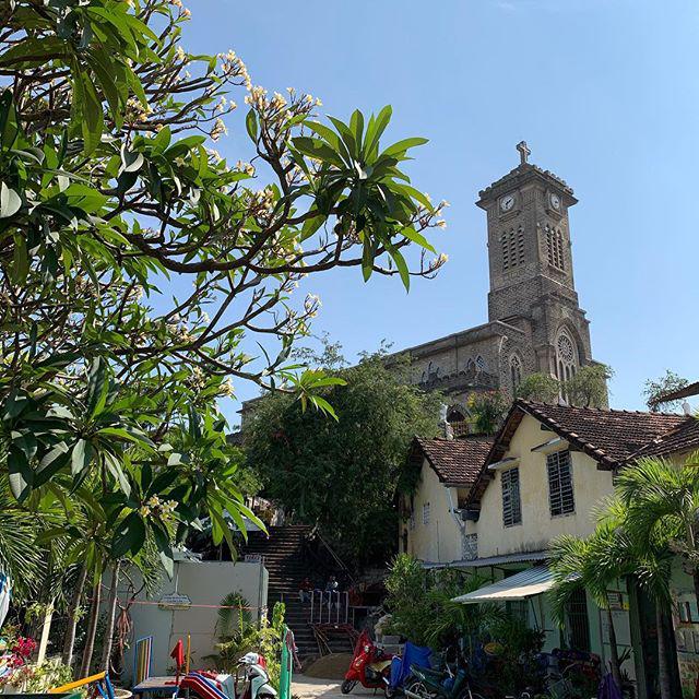Nhà Thờ Chính Toàn Phú Cường Bình Dương - Kinh nghiệm du lịch Bình Dương Tự túc